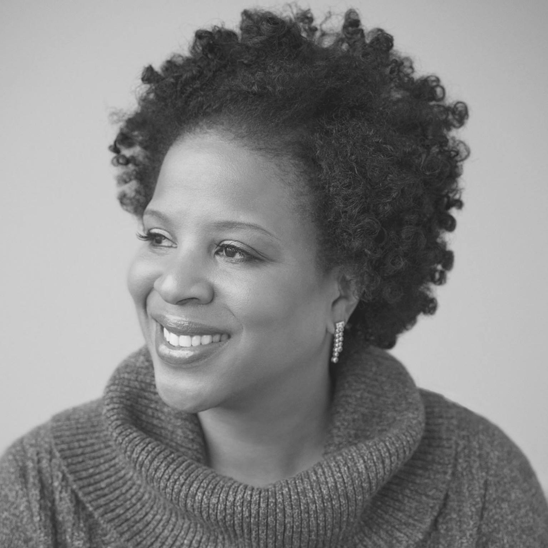 Tayari Jones è laureata presso lo Spelman College, l'Arizona State University e l'Università dell'Iowa. Docente di scrittura creativa presso l'Emory University, collaboratrice del Believer e del New York Times, vincitrice di numerosi premi letterari, è autrice dei romanzi Silver Sparrow, The Untelling e Leaving Atlanta.
